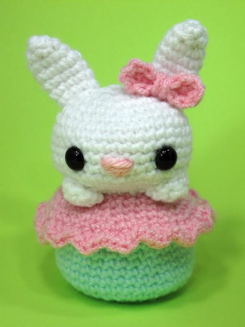 Free Crochet Amigurumi Bunny Cupcake Patternv